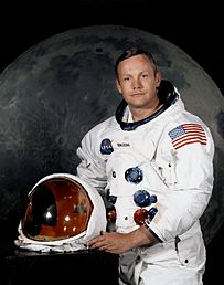 203px-Neil_Armstrong_pose.jpg