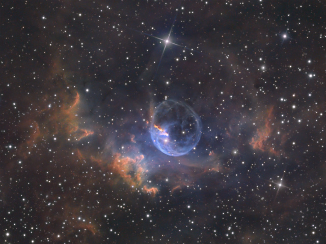 Bubble_Nebula_NGC7635_NB10Hrs+25percentRRGB5Hrs_Gen1_Greg_Morgan_1803x1352.jpg