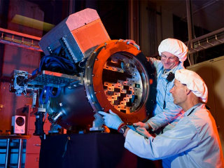 new-ultra-sensitive-telescope-dark-matter-installing-sensors_59374_big.jpg