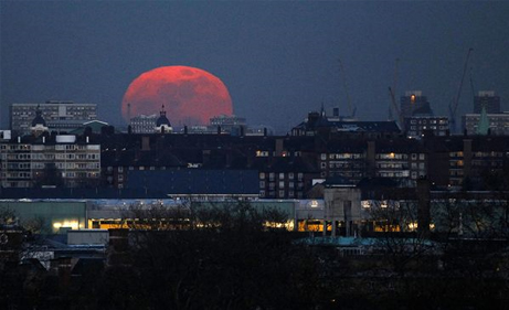super-moon-largest-london-united-kingdom_33536_big.jpg