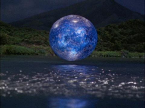 ベムラーの青い球