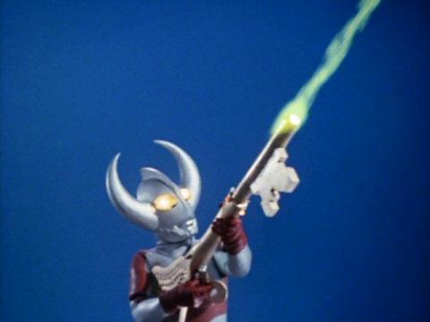 ウルトラキーを武器として使うウルトラの父