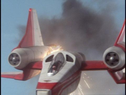 撃墜されるハートウィナー1号