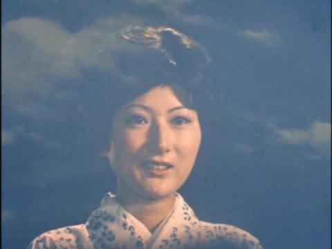 カオルの母(演:西恵子)