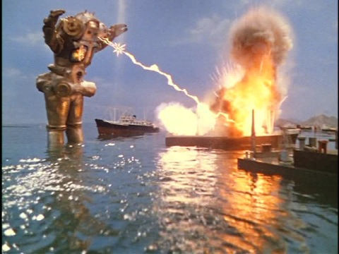 神戸港で暴れるキングジョー