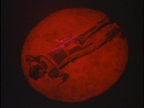 ムルロアに敗れ、倒れている東光太郎隊員
