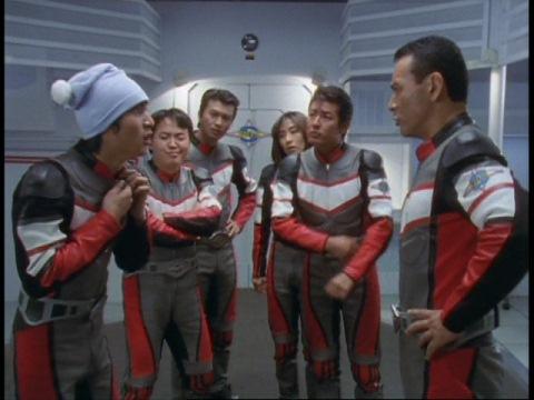 ナイトキャップを注意するヒビキ隊長