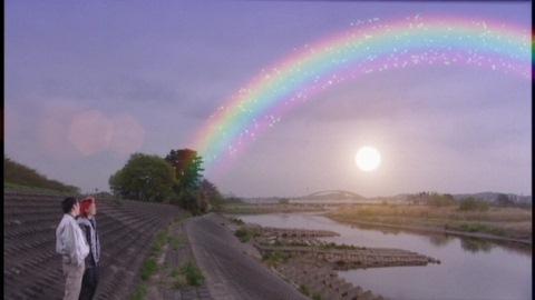 光る船が消えると、そこには虹が!