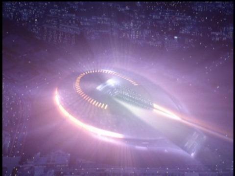 スタジアムにカモフラージュされたスラン星人の宇宙船