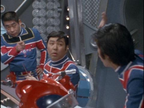 カレーを食べたか尋ねる朝比奈隊長(演:名古屋章)
