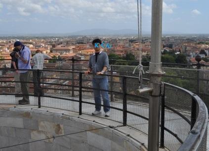 ピサの斜塔屋上
