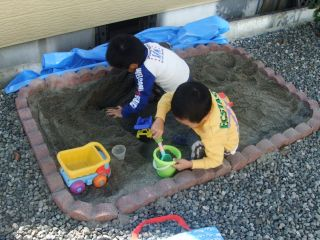 砂場遊び2_320