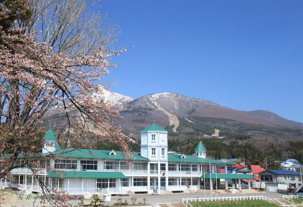 磐梯山と桜(0042)