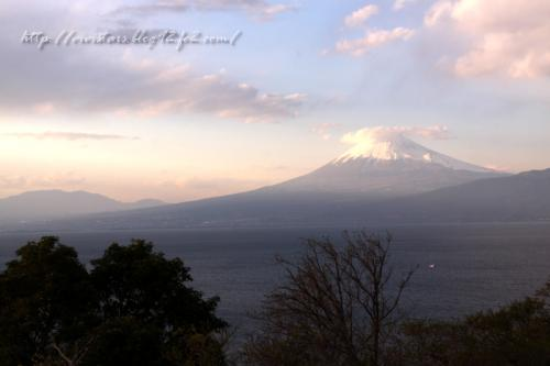 夕暮れの富士山 戸田から