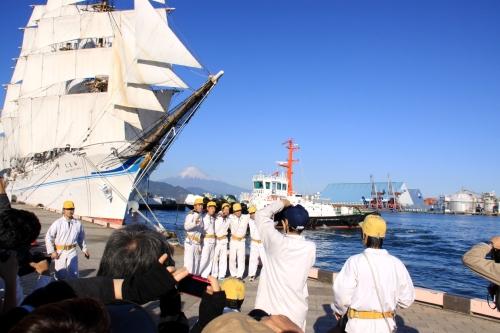 海王丸と富士山と船員さんrとギャラリー