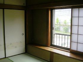 青木貸家 2F和室窓_280