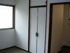青木貸家 2F洋室収納_280