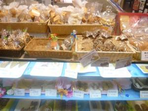 201108二子玉クッキー売り場300