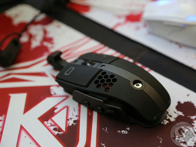 Wireless_Gaming_Mouse_01.jpg