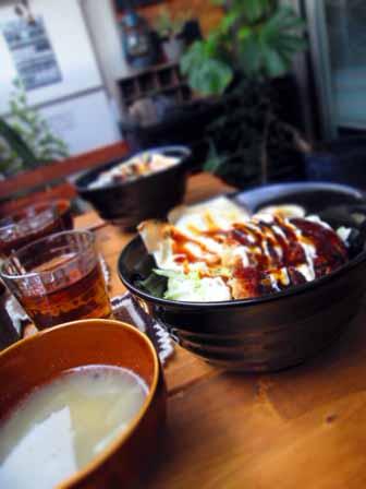 ロコモコ丼2