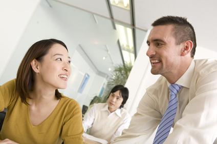 英会話で挨拶の後に何を話す?会話が続かない人のための