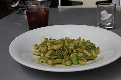 青野菜のタリアテッレ・アンチョビ風味