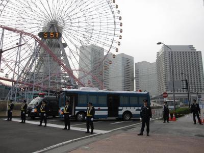 鳥取県警察・大型輸送車と観覧車