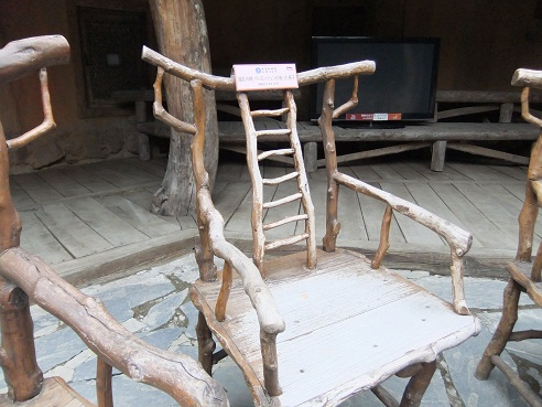 *ヨン様が座ったという椅子*