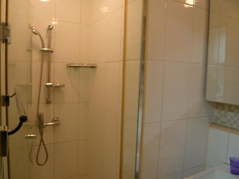 *シャワー室*