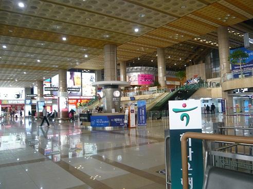 *金浦空港*
