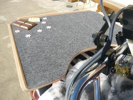 *車椅子のテーブル*