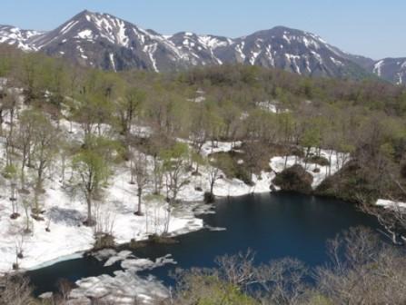 石沼から見る天竺山&経塚山