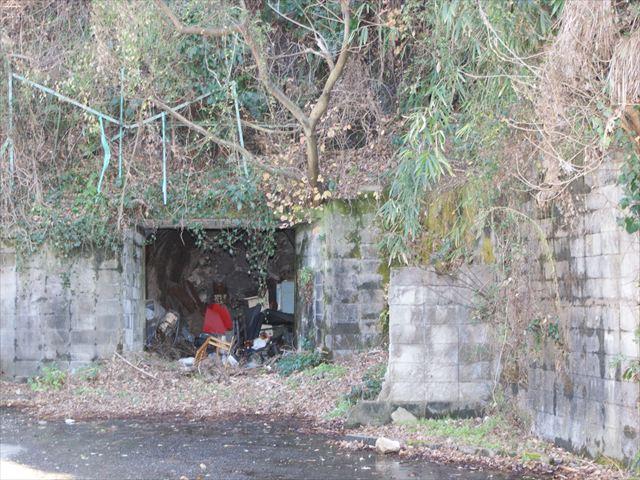 砲台下の防空壕3_R