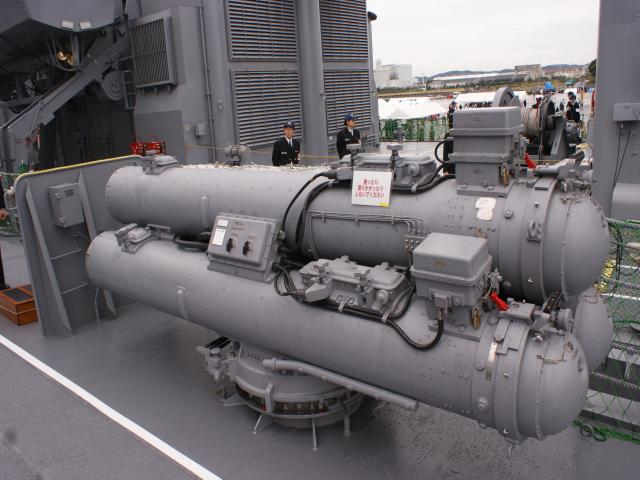 楯付き三連装短魚雷発射管