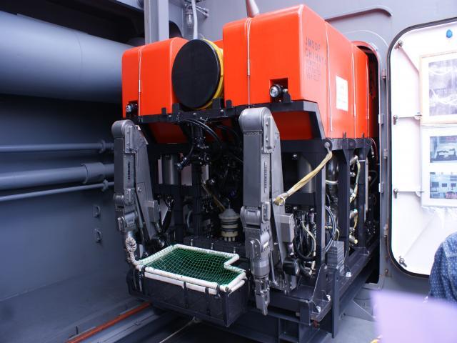 無人潜水装置