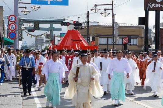 すすき祭り 金鳥井前(お山)