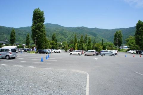 バラ オルゴールの森 駐車場