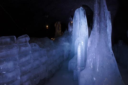 富岳風穴 氷柱