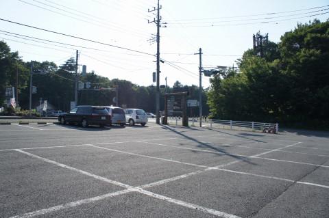 富岳風穴 駐車場
