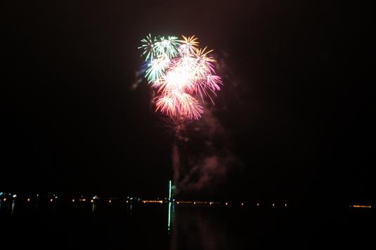 西湖竜宮祭 花火 カラフル
