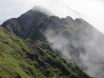 大山山頂から縦走路100803
