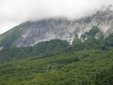 鍵掛峠からの大山南壁100803