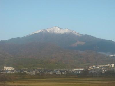 大山の雪101208