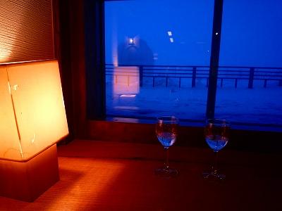 夕方5時からホテルのロビーでシャンパンサービス