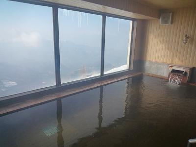 標高2000mの雲上のパノラマ風呂