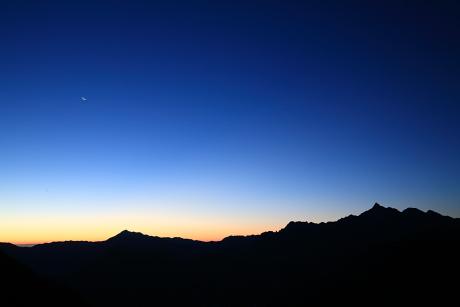 三俣山荘からみる夜明け