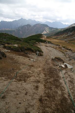 三俣峠からの下り