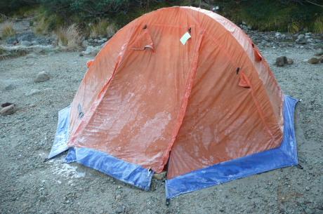 凍ったテント