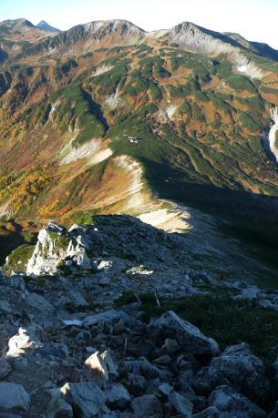 鷲羽岳途中から見る三俣蓮華岳方向