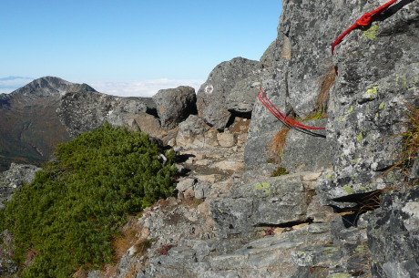 ワリモ山頂のロープ場